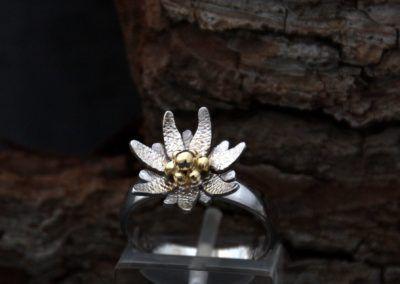 Anillo edelweiss en oro blanco y amarillo
