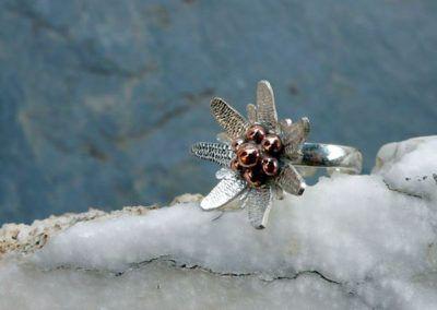 anillo edelweiss en plata y cobre