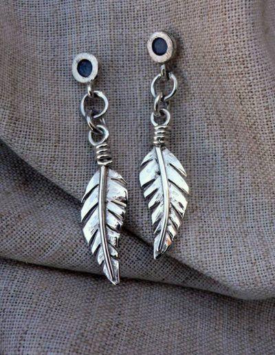Pendientes pluma en plata